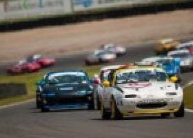 Mazda Max5 Cup in voorprogramma Nieuwsjaarsrace