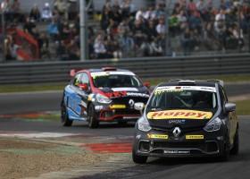 Renault Clio Cup Benelux 2016 start op Circuit Park Zandvoort in teken van 40 jaar historie