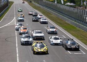 Mooi gevuld startveld met GT4-bolides naar Monza