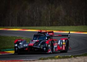 Audi zegeviert in bizarre strijd op Spa