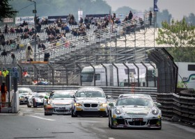 Nicolaj Møller Madsen en Andreas Patzelt winnen tweede race in Pau, Braams/Huisman P2