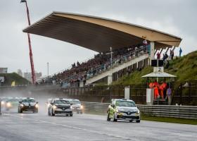 Familie Bleekemolen snelste in Clio Cup
