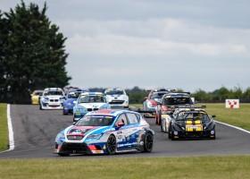 Moeilijk weekend beloond met winst voor Febo Racing