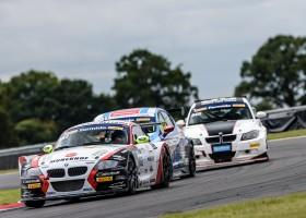 """""""Marshalls op Snetterton leven voor autosport"""", aldus Van den Munckhof"""