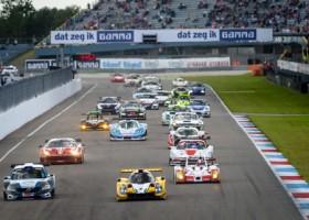 Snelle prototypes voegen zich bij snelle GT-bolides tijdens Finaleraces