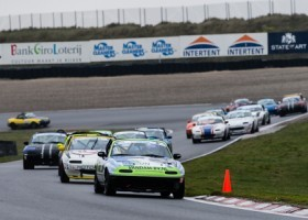 Vollenbregt wint Mazda Max5 wedstrijden op Zandvoort