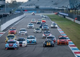 Betaalbaar instappen in de Supercar Challenge powered by Hankook