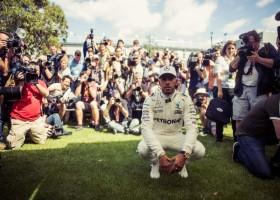Hamilton rapste, Verstappen naar een zesde tijd