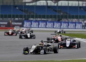 Lando Norris zegeviert in eerste F3-race
