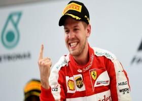 Vettel wint in Bahrein, Verstappen ziet de finish niet
