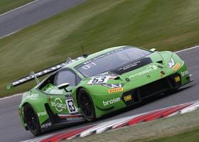 Lamborghini eenvoudig naar de overwinning op Brands Hatch
