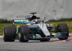 Bottas voorlopig snelste tijdens thuisrace Hamilton