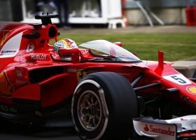 Vettel doet eerste test met cockpitscherm