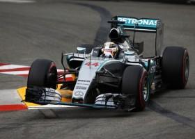Hamilton pakt derde Engelse pole op rij