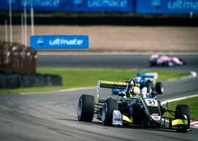 Norris schrijft derde F3-race op Zandvoort op zijn naam
