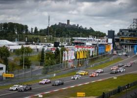 Wickens schenkt Mercedes tweede zege van het weekend
