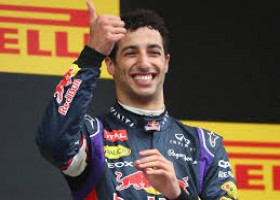 Ricciardo pakt slag 1 in eerste training