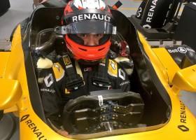 Aitken test Renault E20 in Jerez