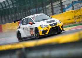 Zege voor Bas Koeten Racing tijdens 12 uur van Spa
