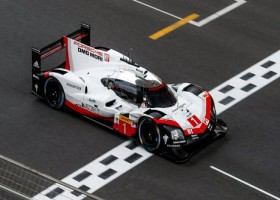 Grote finale in Bahrein: Porsche 919 Hybrid rijdt zijn laatste race