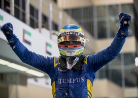 Rowland wint in Abu Dhabi, De Vries p6