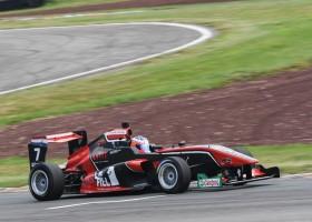Drie keer podium voor Richard Verschoor in Toyota Racing Series op Taupo