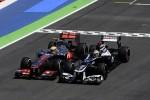 Hamilton wuift crash met Maldonado weg