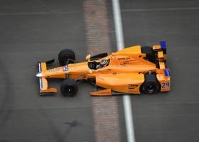 Alonso snelste in rookie test