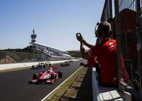 Leclerc pakt titel met overwinning