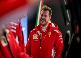 Vettel snelste in Barcelona, Verstappen rijdt 127 ronden