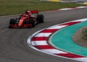 Ferrari domineert, pole voor Vettel