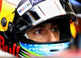 Ricciardo profiteert beste van safetycarsituatie