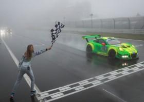 24uur van de Nurburgring gewonnen door Porsche, Yelmer Buurman op P3 beste Nederlander