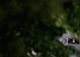 Vettel zegeviert vanaf polepositie