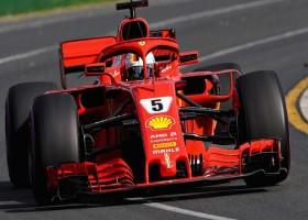 Vettel verstiert feestje van Hamilton met zege