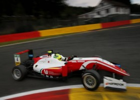Mick Schumacher pakt zijn eerste F3-pole uit zijn loopbaan