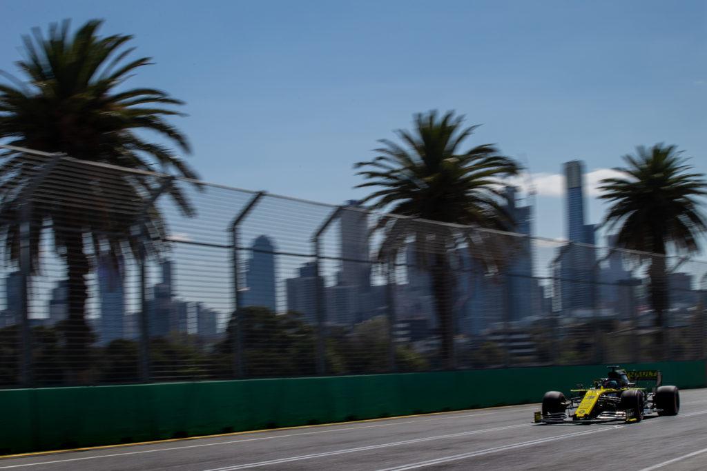 Ricciardo haalt eindstreep van thuisrace niet