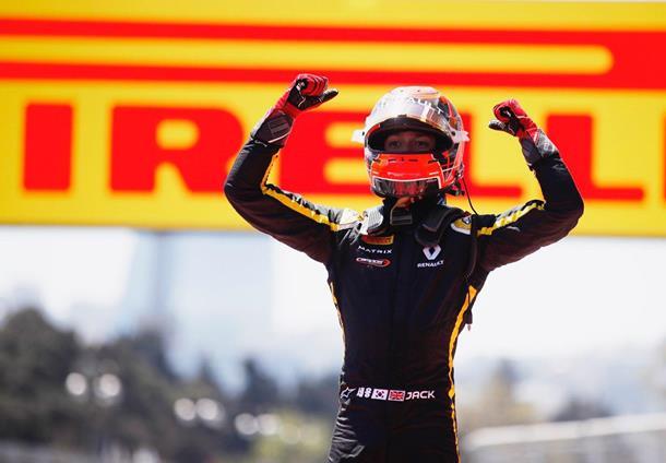 Aitken wint eerste F2 race in Bakoe