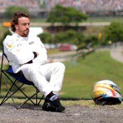 Fernando beschouwd de situatie vanuit zijn luie stoel