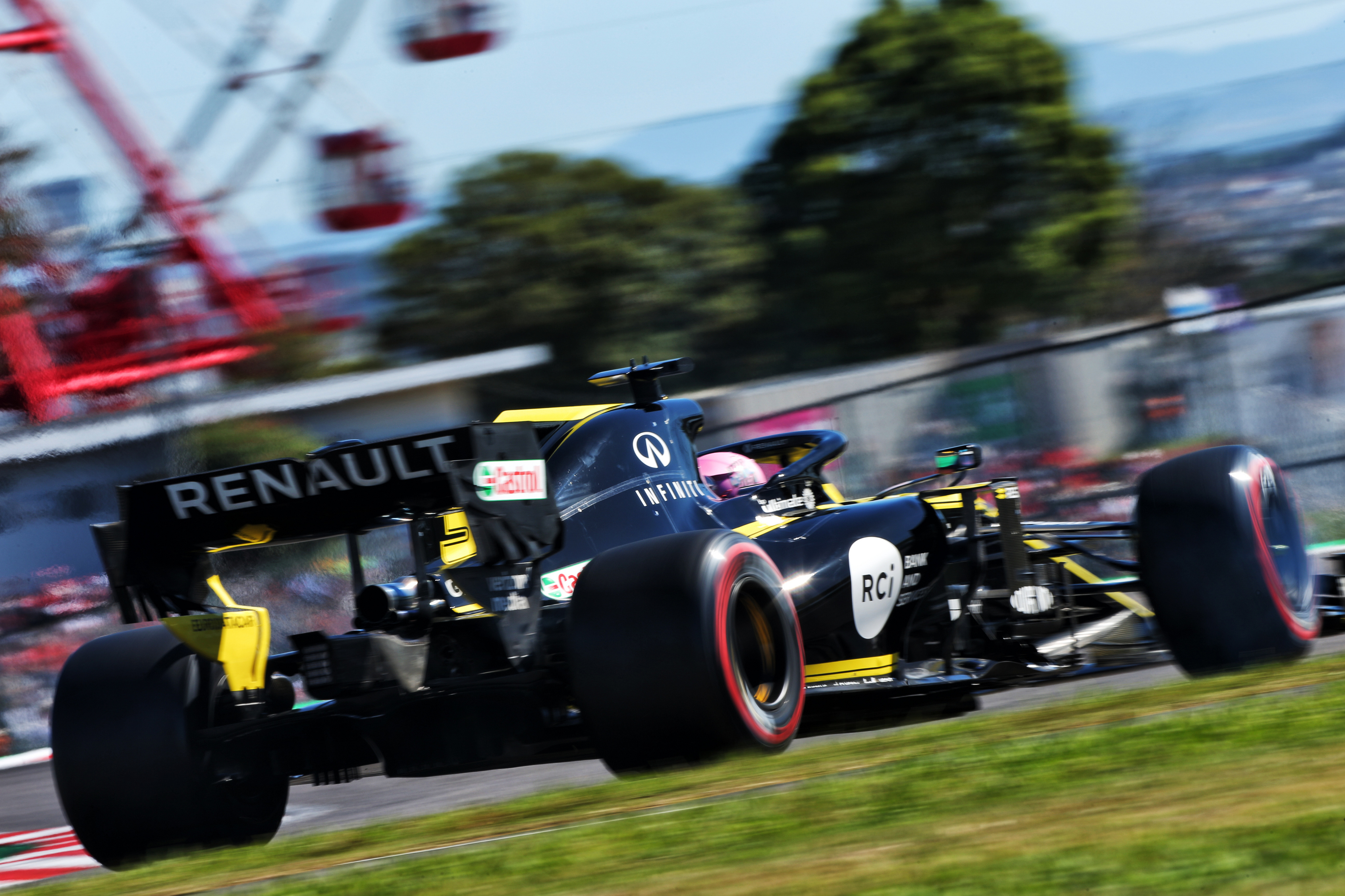 Daniel Ricciardo (AUS) Renault F1 Team RS19. Japanese Grand Prix, Sunday 13th October 2019. Suzuka, Japan.