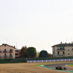 IMOLA, ITALY - OCTOBER 31: Max Verstappen of the Netherlands driving the (33) Aston Martin Red Bull Racing RB16 during qualifying ahead of the F1 Grand Prix of Emilia Romagna at Autodromo Enzo e Dino Ferrari on October 31, 2020 in Imola, Italy. (Photo by Joe Portlock/Getty Images)