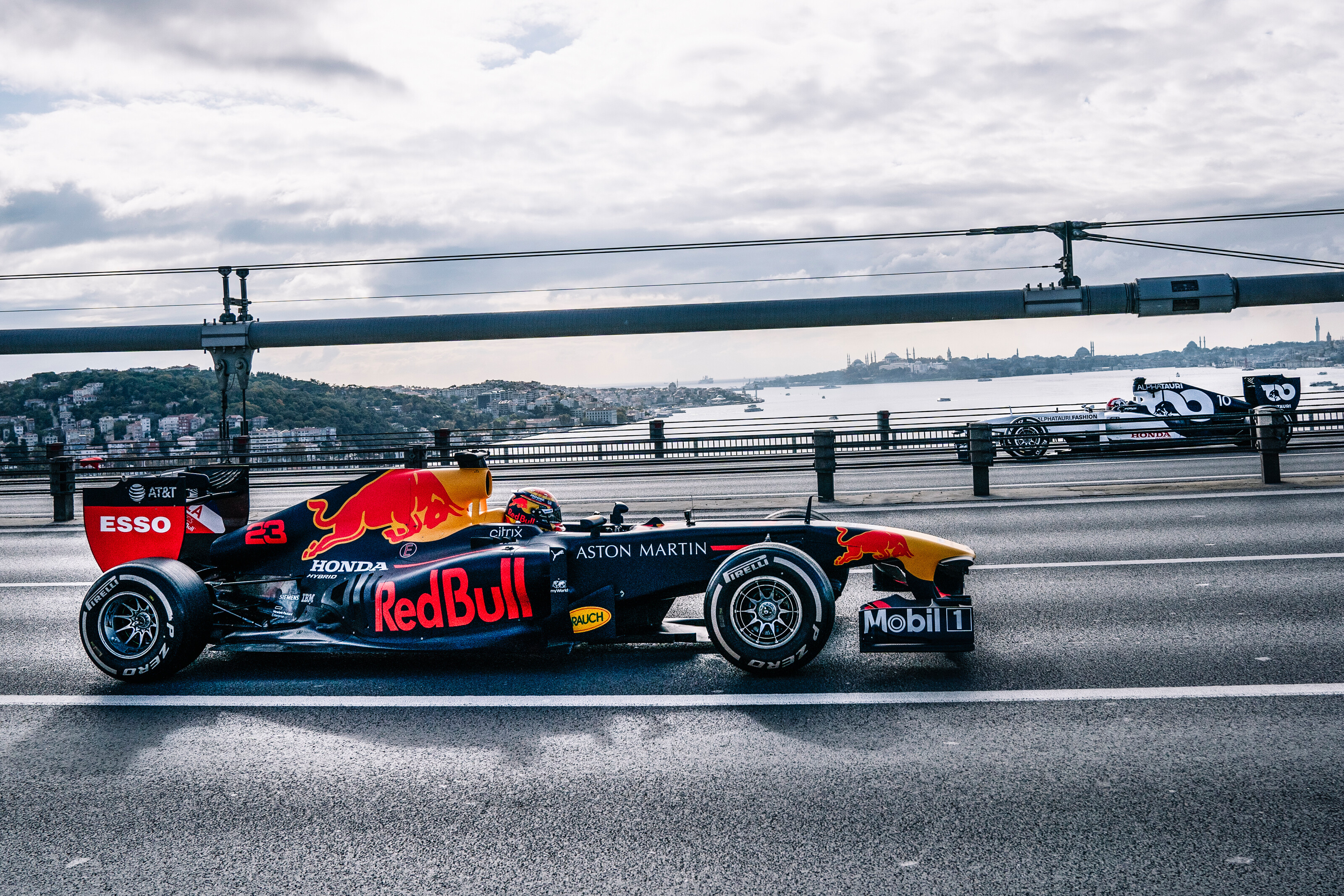 Alexander Albon and Pierre Gasly perform during Project Istanbulls in Istanbul, Turkey on November 10, 2020 // Nuri Yilmazer/Red Bull Content Pool // SI202011110239 // Usage for editorial use only //